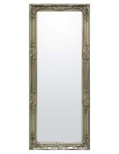 Zrkadlo v striebornom ráme